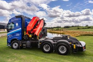 Metcalfe Farms tractor unit with Palfinger crane